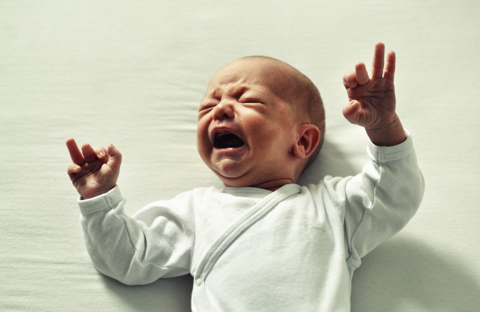 Bébé ne fait pas ses nuits et hurle